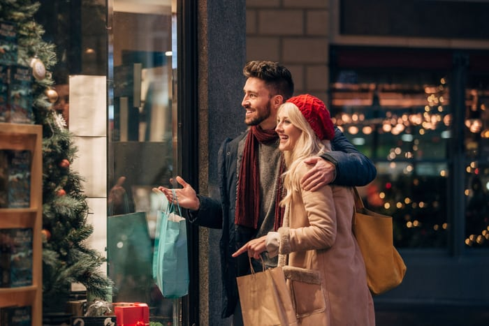 20 Facts About How Much People Spend On The Holidays